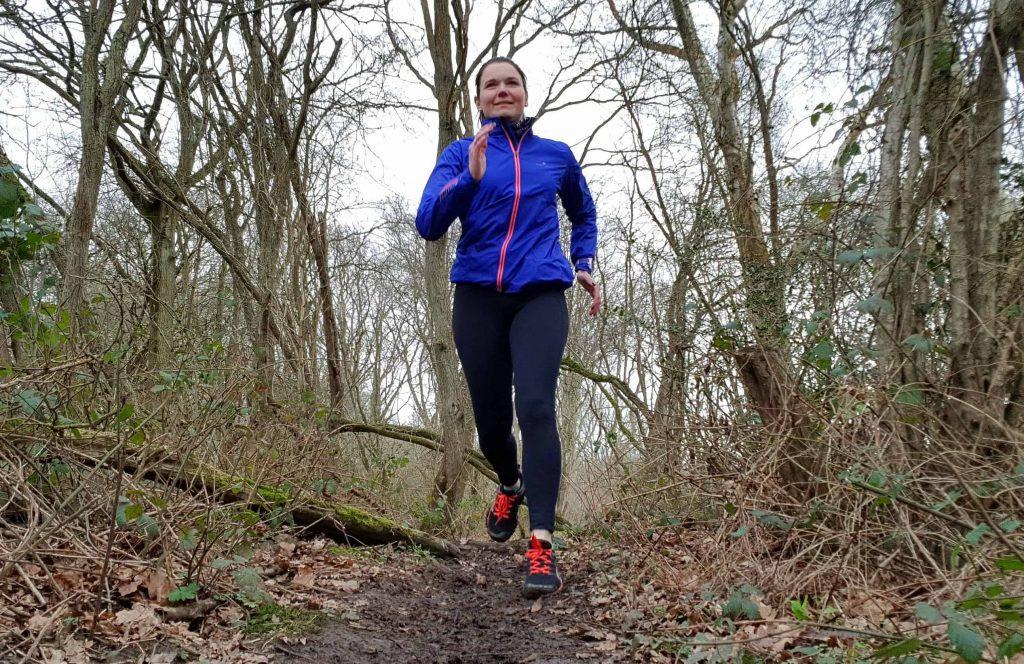 Leanne Davies from Run Mummy Run running wearing Inov8 Parkclaws